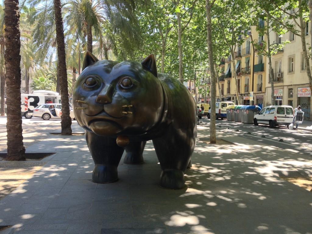 Der Kater von Fernando Botero auf der Rambla del Raval
