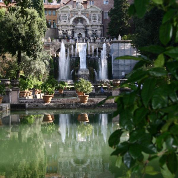 Villa D'Este -  Querachse mit Fischteichen, Neptunbrunnen und Wasserorgel