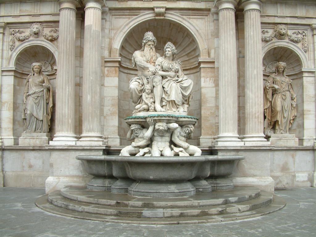 Der Danubiusbrunnen an der Albrechtsrampe heißt offiziell Albrechtsbrunnen