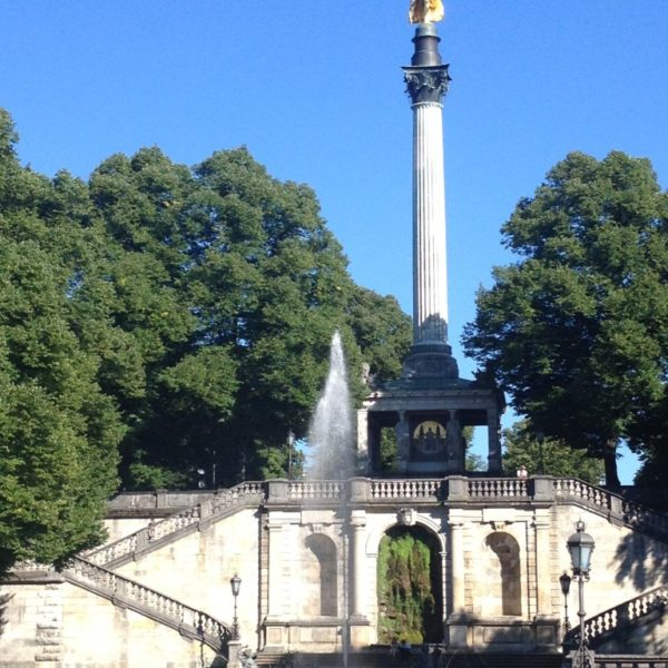 Der Friedensengel -  Friedensdenkmal und Prinzregent-Luitpold-Terrasse