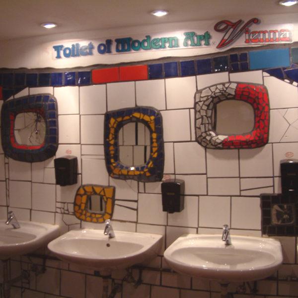 Hundertwasserklo - Toilet of Modern Art Vienna