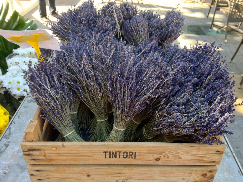 Lavendel auf dem Markt in Orange