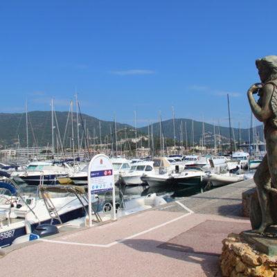 Meerjungfrau am Hafen von Cavalaire sur Mer
