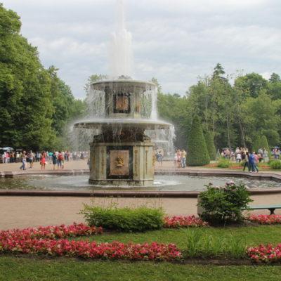 Römische Fontän im Schlosspark Peterhof