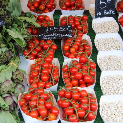 Cours Saleya - Gemüse in Schälchen sortiert