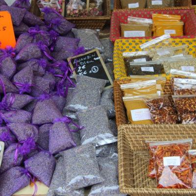 Cours Saleya - Lavendelsäckchen als Souvenir