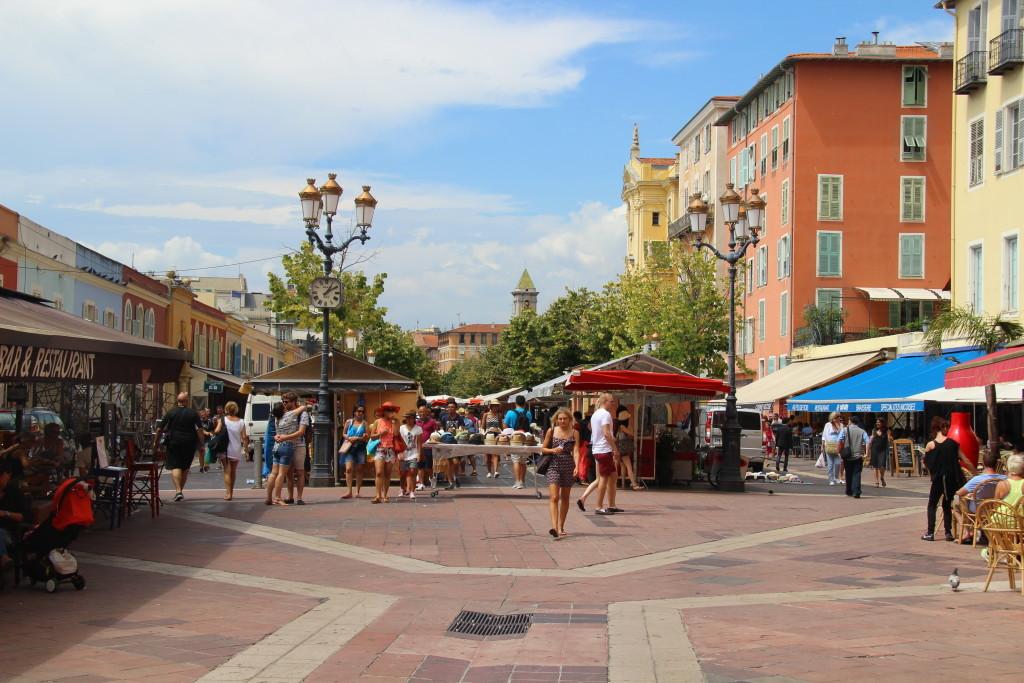 Cours Saleya - Marktplatz von Nizza