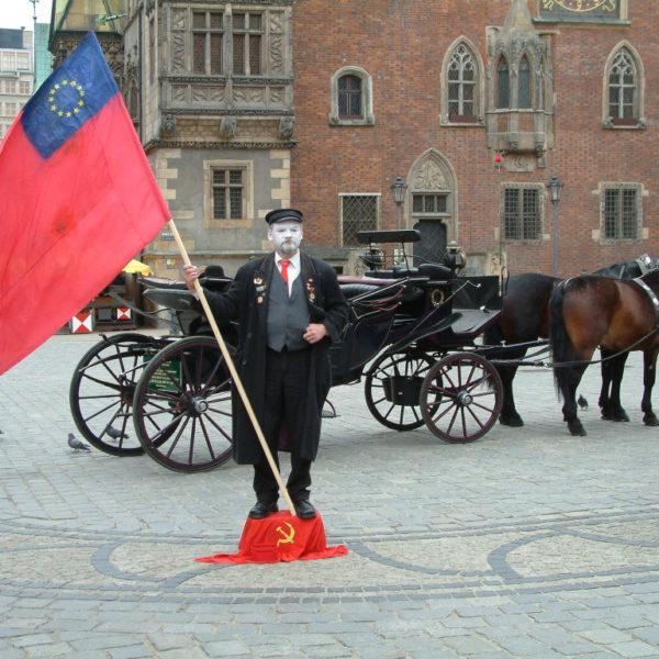 Euro-Lenin vor dem Breslauer Rathaus
