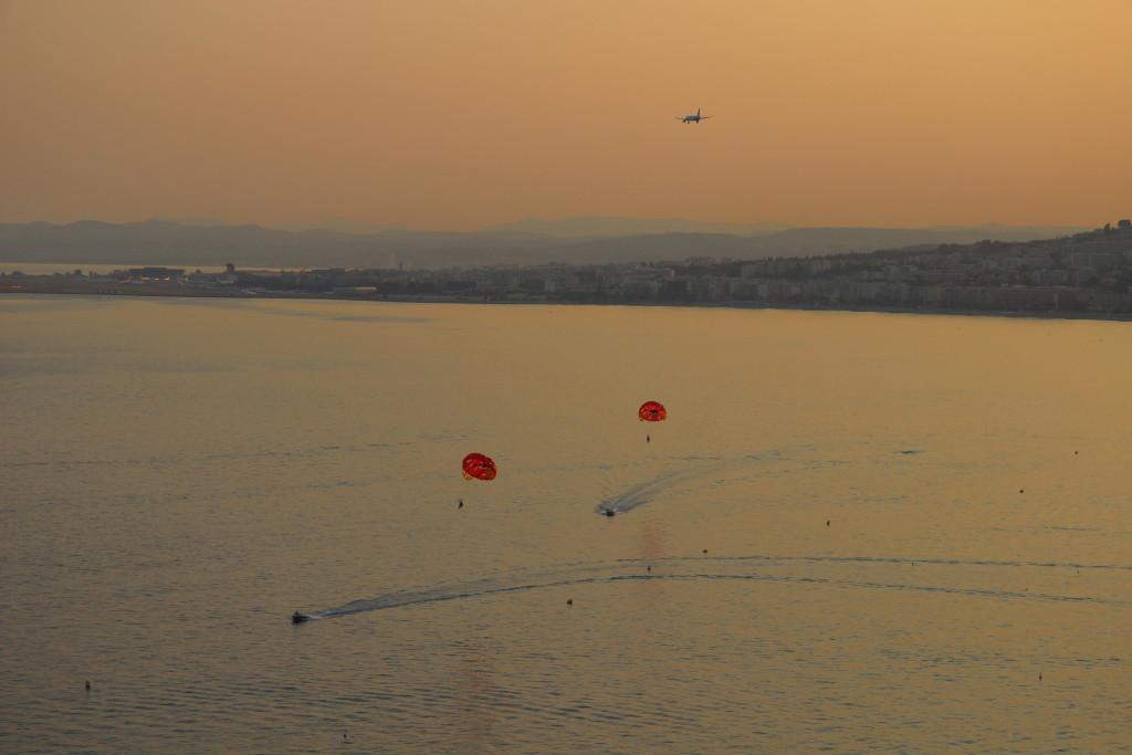 Landeanflug im Abendrot von Nizza