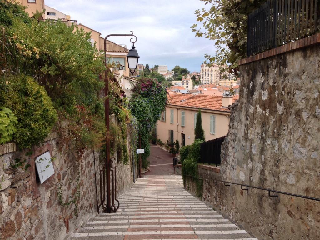 Le Suquet - Treppe von der Burg zur Altstadt von Cannes