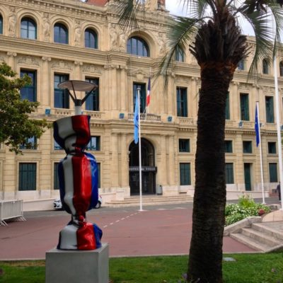 Hotel de Ville - Mairie de Cannes mit Frankreich-Bonbon