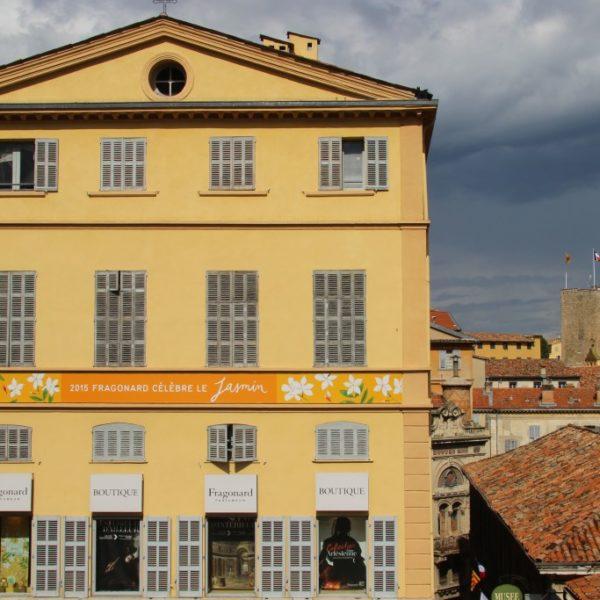 Parfumerie Fragonard und Blick auf die Altstadt