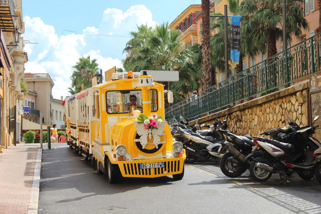 Petit Train de Grasse auf dem Boulevard du Jeu de Ballon
