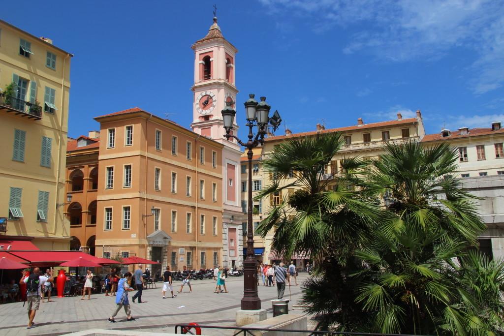 Place du Palais de Justice - Tour de l'Horloge und Caserne Rusca