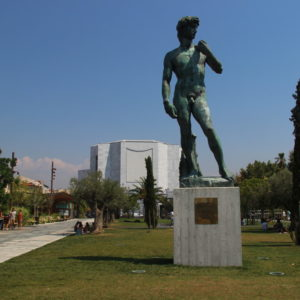 Promenade du Paillon - David-Statue vor dem Théâtre National de Nice