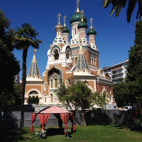 Russisch-orthodoxe Kathedrale Saint-Nicolas neben dem Boulevard du Tsarévitch