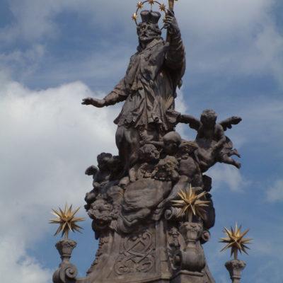 Statue des heiligen Johannes Nepomuk auf der Dominsel