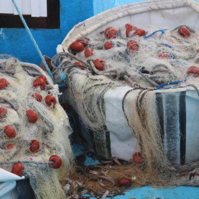Fischernetze im Hafen von Paphos