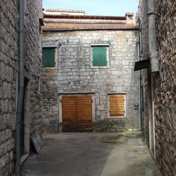 Steinhäuser in Stari Grad, Kroatien